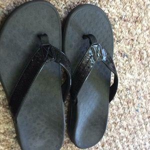 006a3bdafd67d Vionic Shoes - Vionic Orthaheel women s flip flops size 9 black
